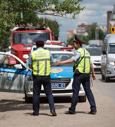 Сотрудники дорожной полиции Казахстана, архивное фото