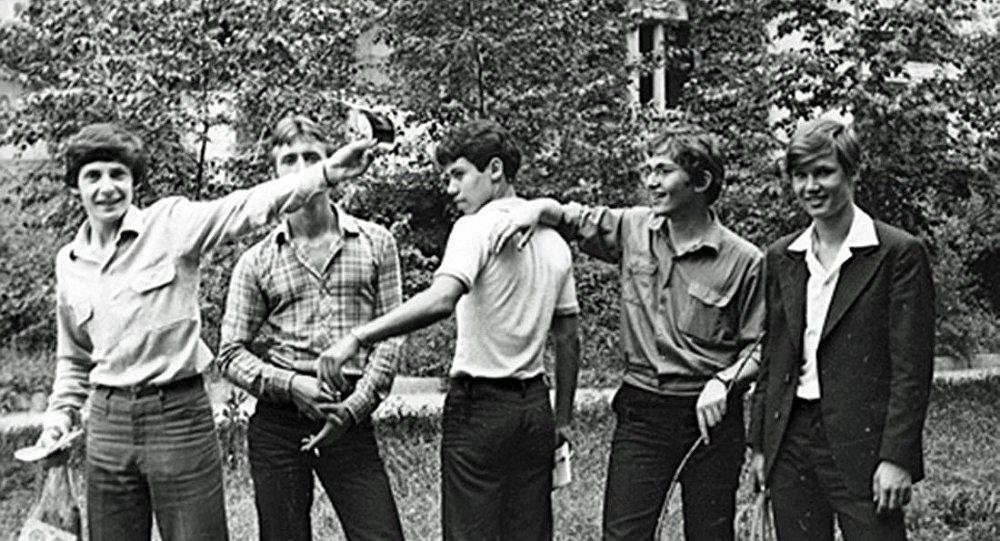 Аркадий Волож (крайний слева), Илья Сегалович (в центре)