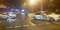 Два автомобиля столкнулись на пересечении Абая - Сейфуллина