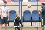 Неймар тренирует сына