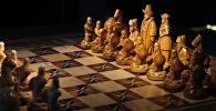 Қазақ хандары мен батырлары пішінінде жасалған шахмат