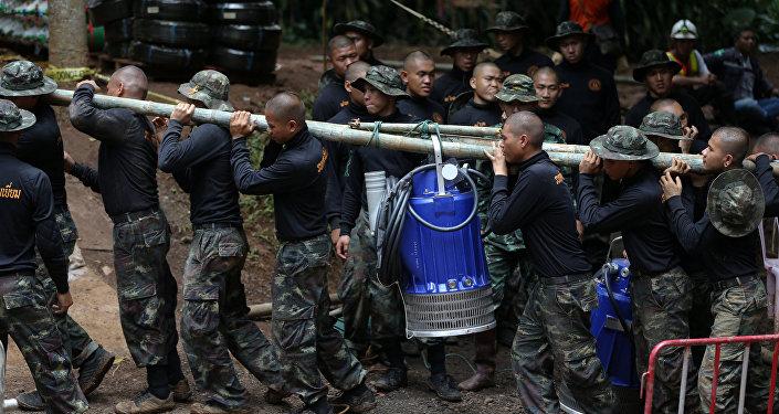 Спасательная операция в Таиланде