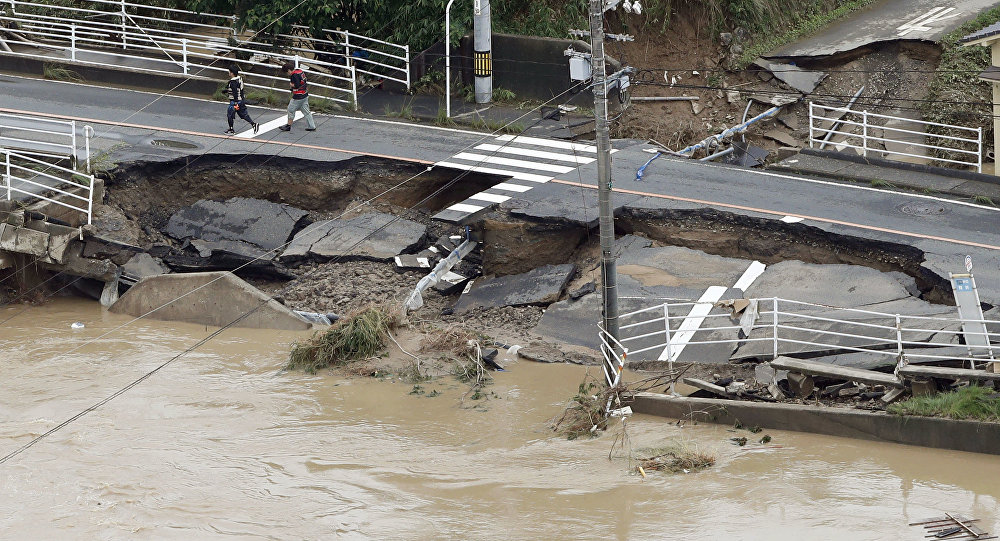 Последствия сильных ливней в Японии