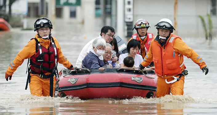 Последствия сильных дождей в Японии