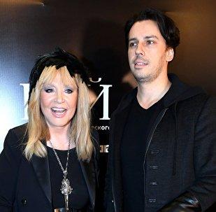 Певица Алла Пугачева и ее супруг телеведущий Максим Галкин