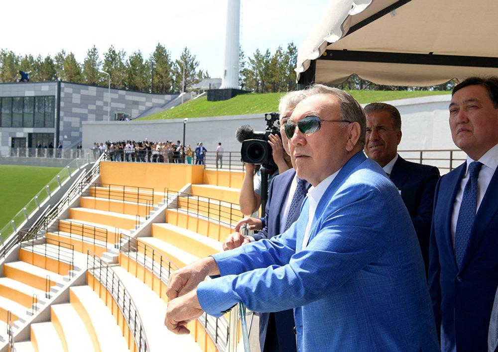 Нурсултан Назарбаев на лыжном комплексе в Боровом
