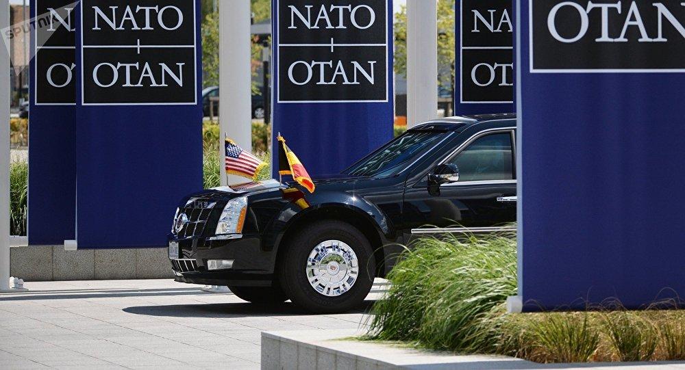 Автомобиль президента США Дональда Трампа на саммите НАТО