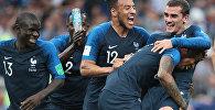 Сборная Франции радуется победе на ЧМ 2018