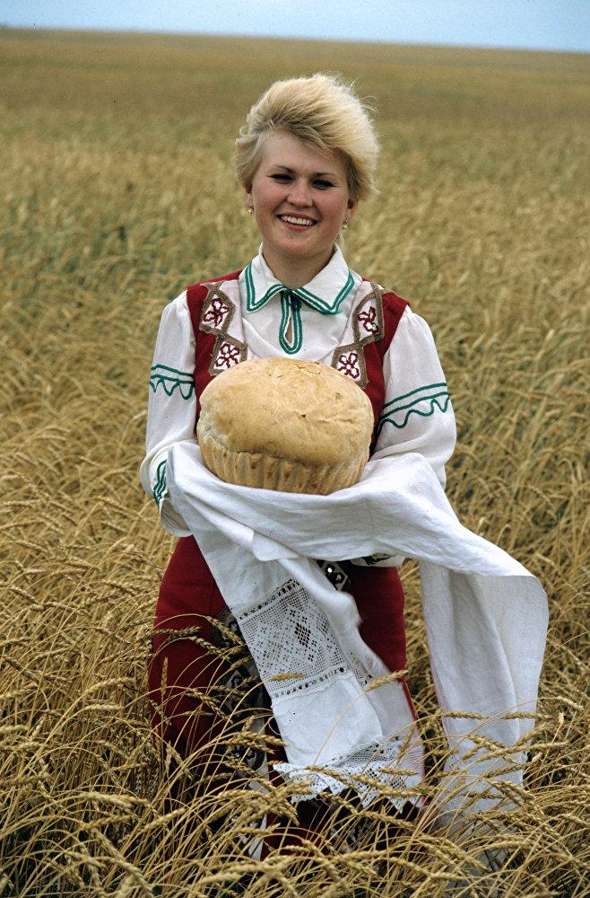 Колхоз Путь к коммунизму. Кустанайская область, Казахская ССР