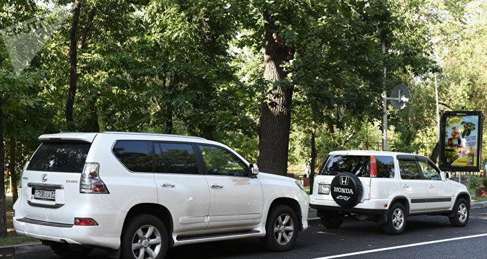 Автомобиль Дениса Тена. Фото с места трагедии.
