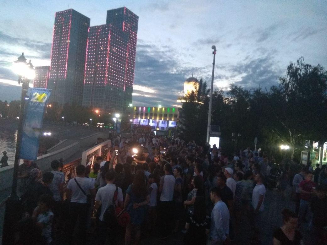 Астана прощается с Денисом Теном