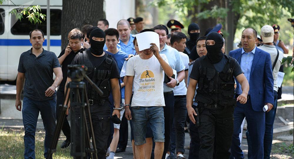 Подозреваемый в убийстве Дениса Тена на месте преступления