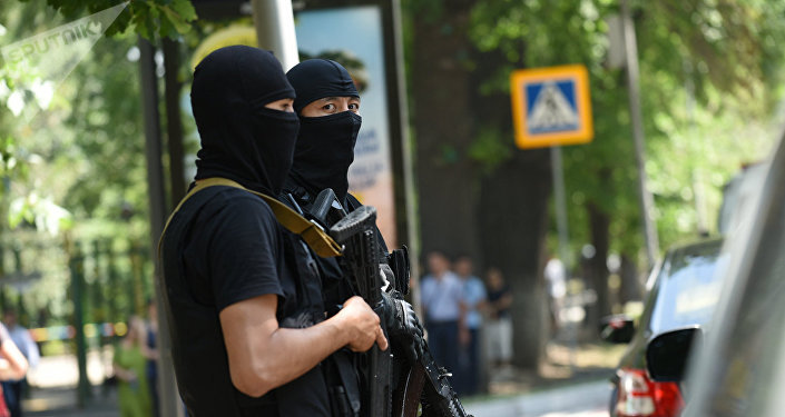 Полицейские на месте преступления
