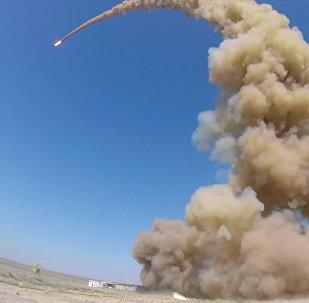 Пуск модернизированной противоракеты российской системы ПРО на полигоне Сары-Шаган (Казахстан)