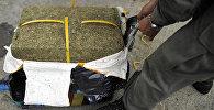 Коробка с марихуаной, архивное фото
