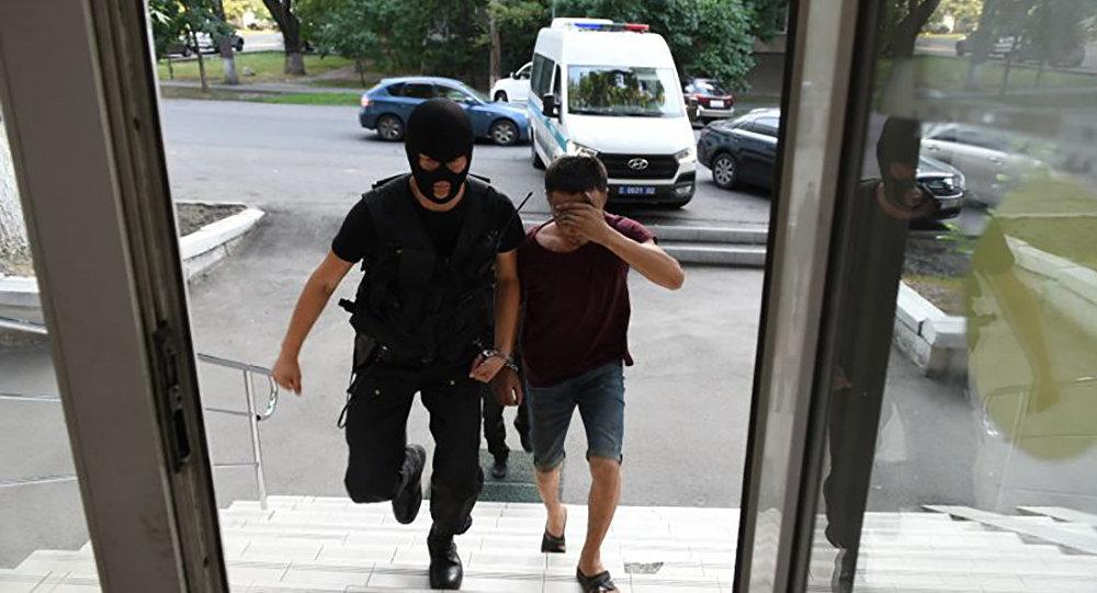 Нуралы Киясов во время задержания, архивное фото
