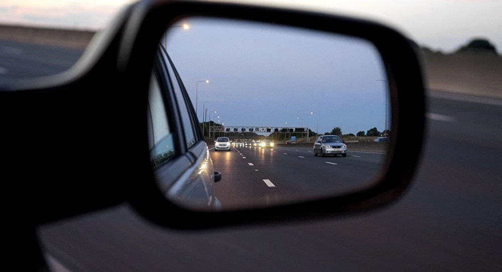 Автомобильные зеркала,иллюстративное фото