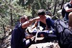 Мужчина сорвался со скалы в Боровом