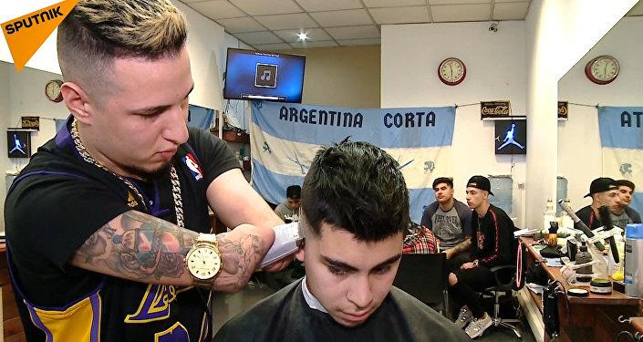 Безрукий парикмахер – лучший в Аргентине