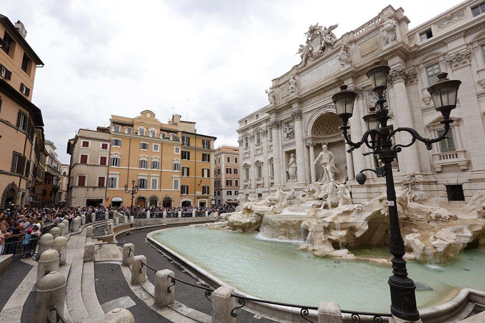 Фонтаны Треви в Риме, архивное фото