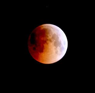 Лунное затмение в Алматы