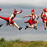 Артисты австралийского цирка Оз