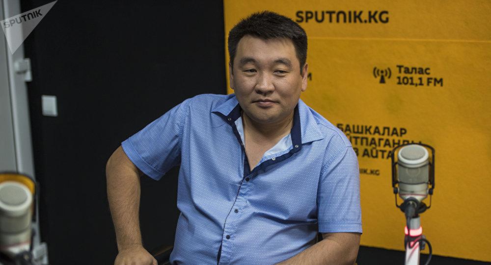 Пластический хирург Рустам Суюнбаев