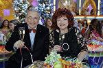 Евгений Петросян и Елена Степаненко на съемках новогодней передачи Голубой огонек