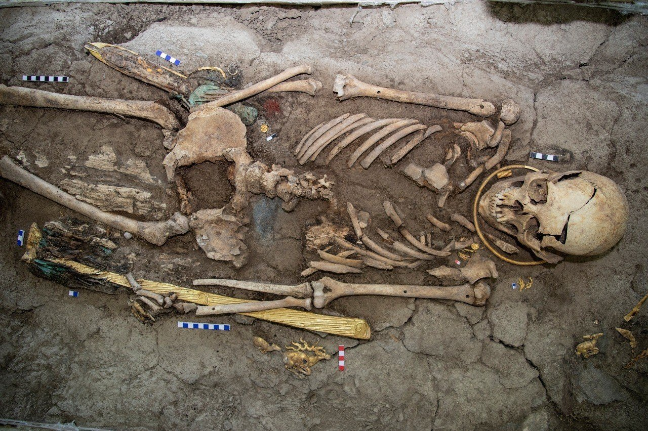 Ученые утверждают, что найденный в кургане скелет принадлежит 17-18-летнему юноше