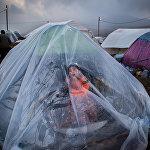Юнес Хани Соми Софлаи, Иран. … А жизнь продолжается, номинация Главные новости, серии, 2 место и специальный приз Международного Комитета Красного Креста (МККК) За гуманитарную фотографию
