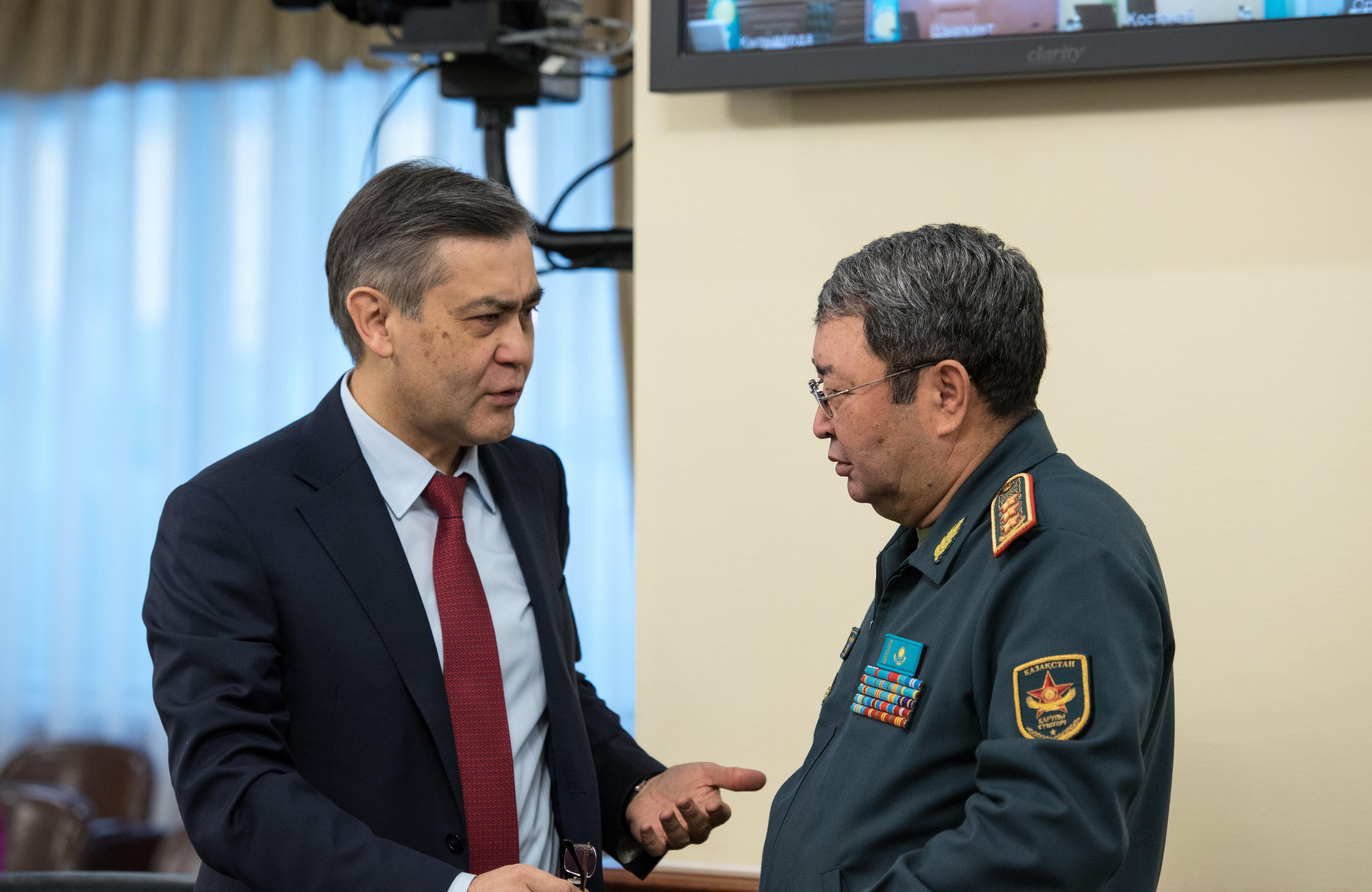 Нурлан Ермекбаев и Сакен Жасузаков, архивное фото