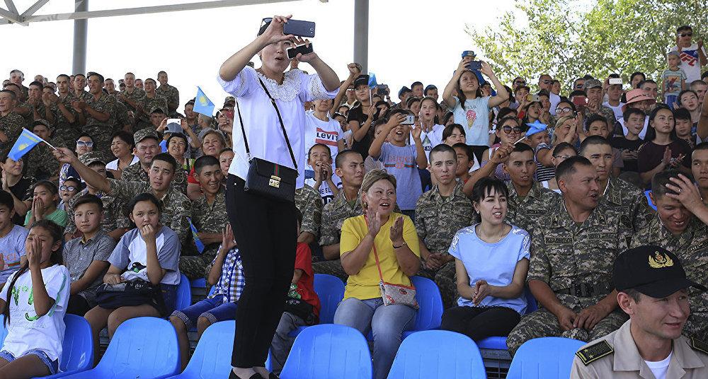 Подведение итогов конкурсов АрМИ, проходивших на территории казахстанской 40-й военной базы Отар