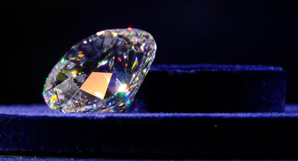 Закрытый показ коллекции бриллиантов Династия