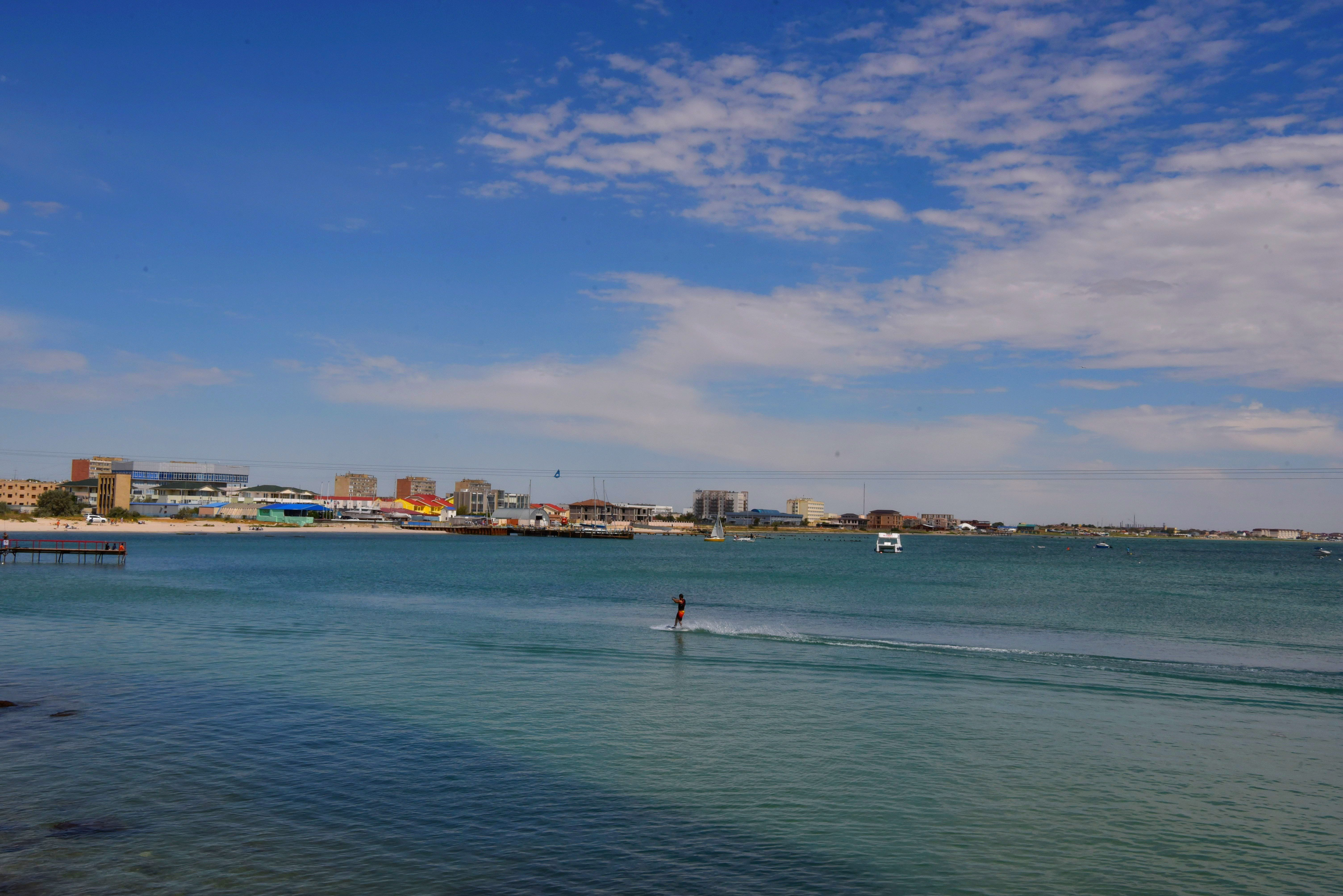 Вид на Актау с побережья