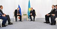 Нұрсұлтан Назарбаев Ақтауда Владимир Путинмен кездесті