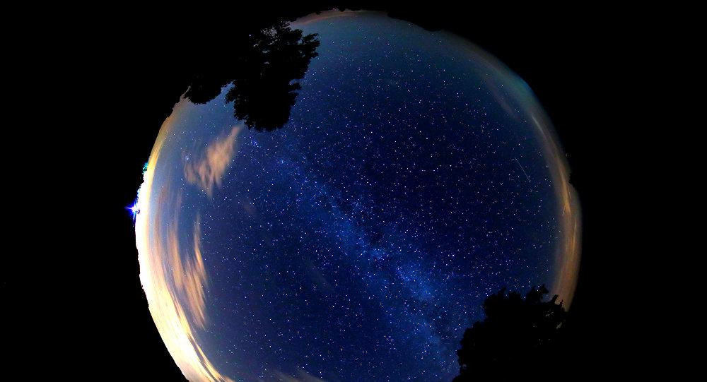 Ночное небо, архивное фото