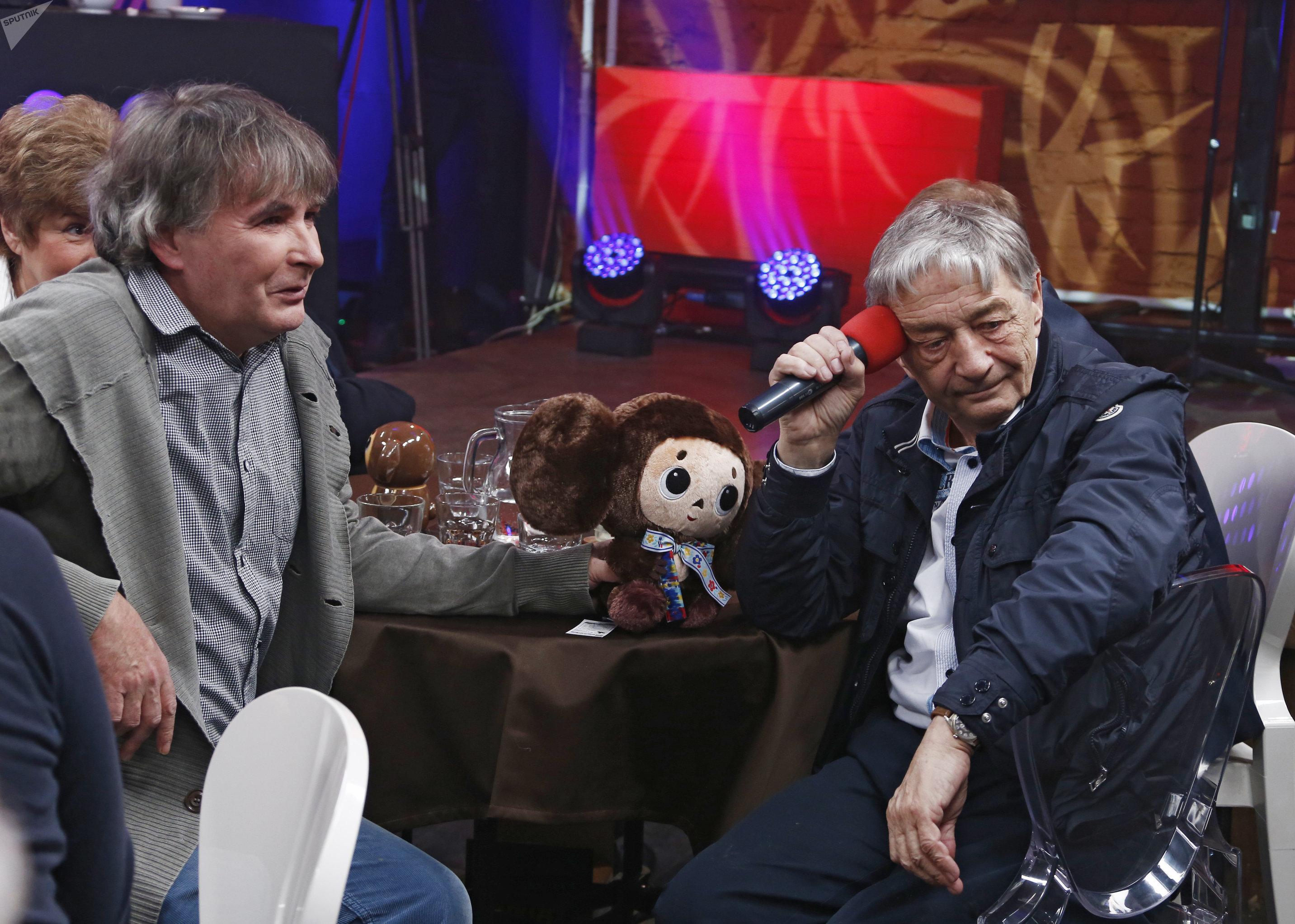 Поэт Андрей Орлов (Орлуша) и детский писатель Эдуард Успенский (слева направо)
