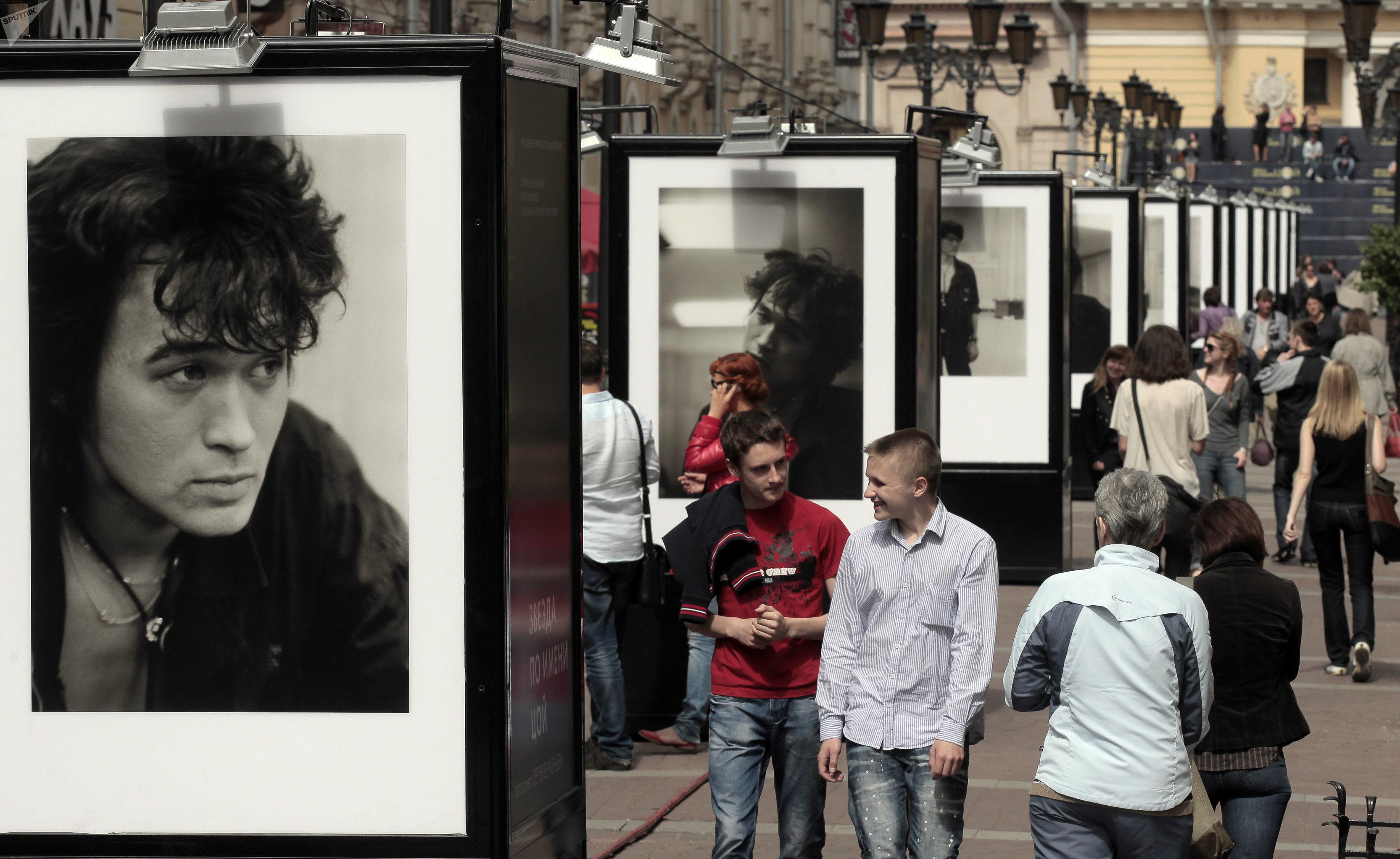 Портреты солиста группы Кино Виктора Цоя