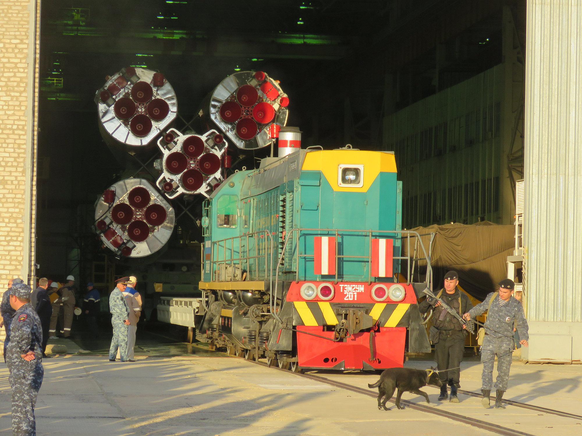 Подготовка к вывозу ракеты
