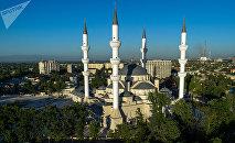Мечеть аль-Сарахсия в Бишкеке, архивное фото