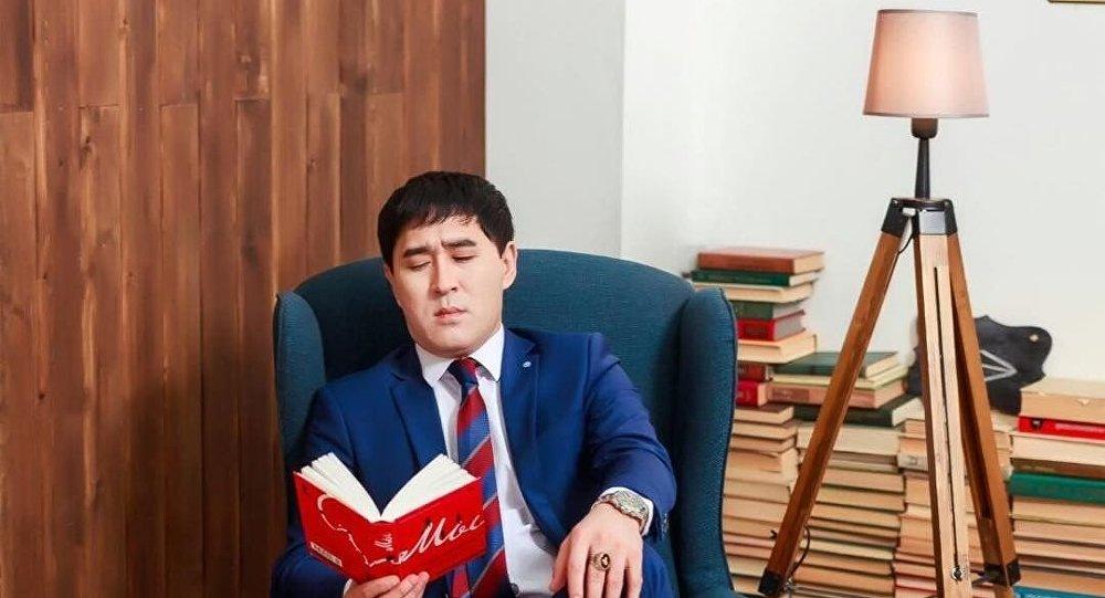 Алдараспан әзіл-сықақ театрының директоры Нұржан Төлендиев