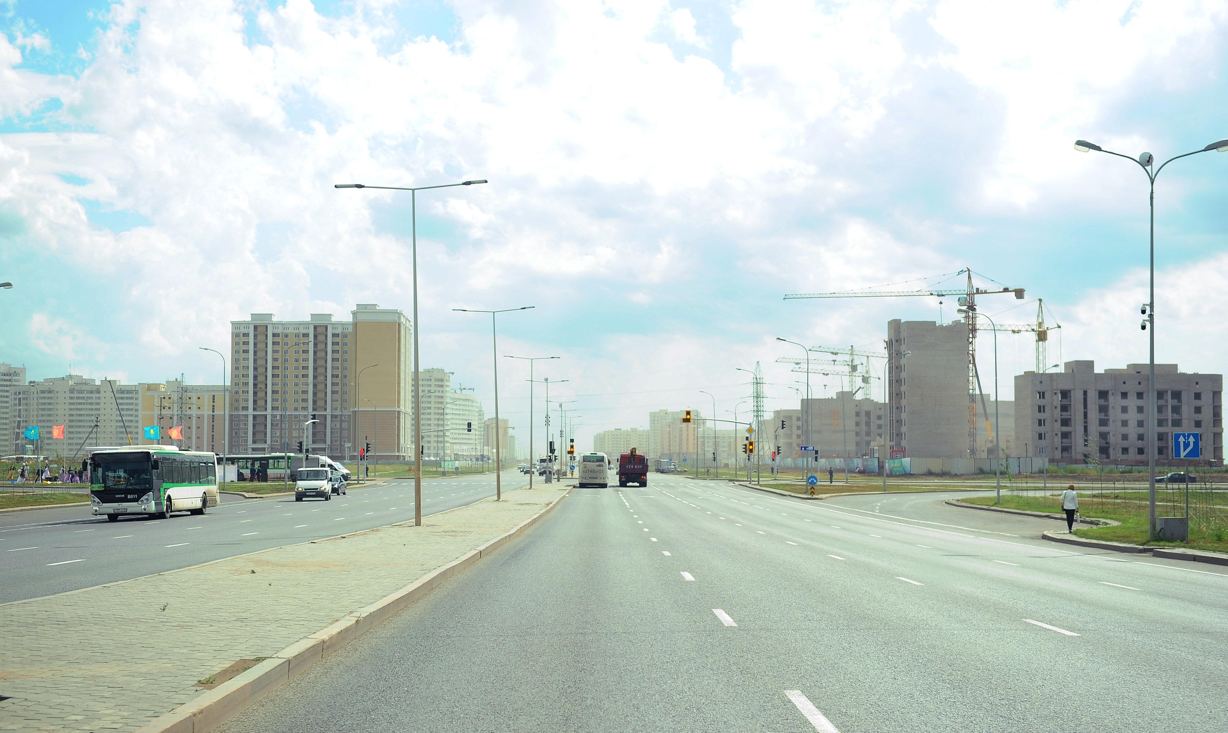 Улица имени Чингиза Айтматова в Астане имеет восемь полос движения