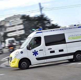 Автомобиль скорой помощи во Франции, архивное фото