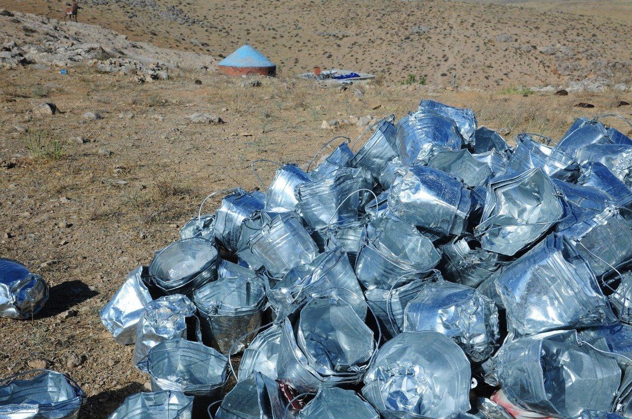 Шырақшы құдық астынан жылына 800-ге дейін майысқан шелектерді алып шығады