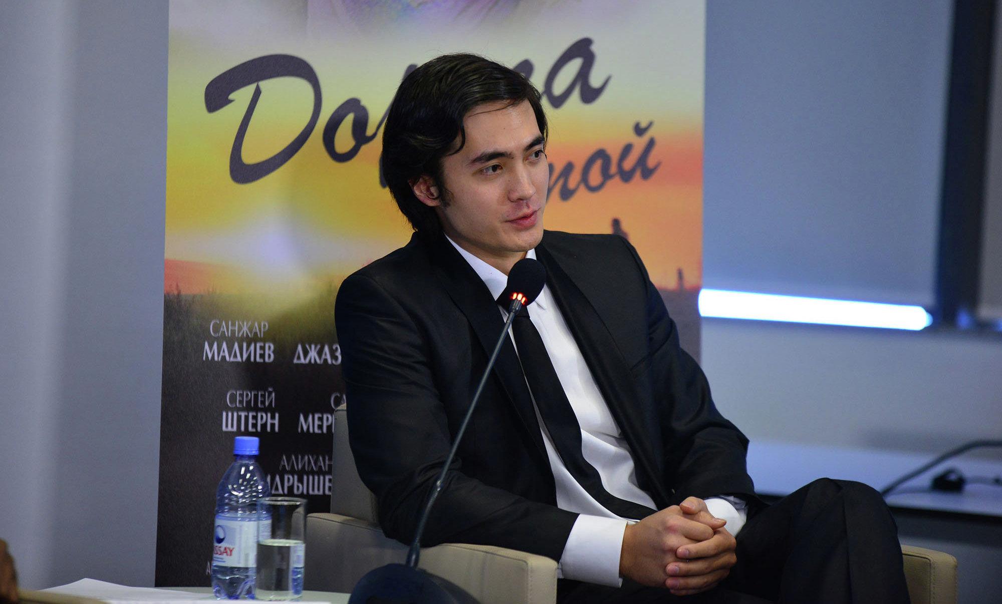 Актер Санжар Мәдиев
