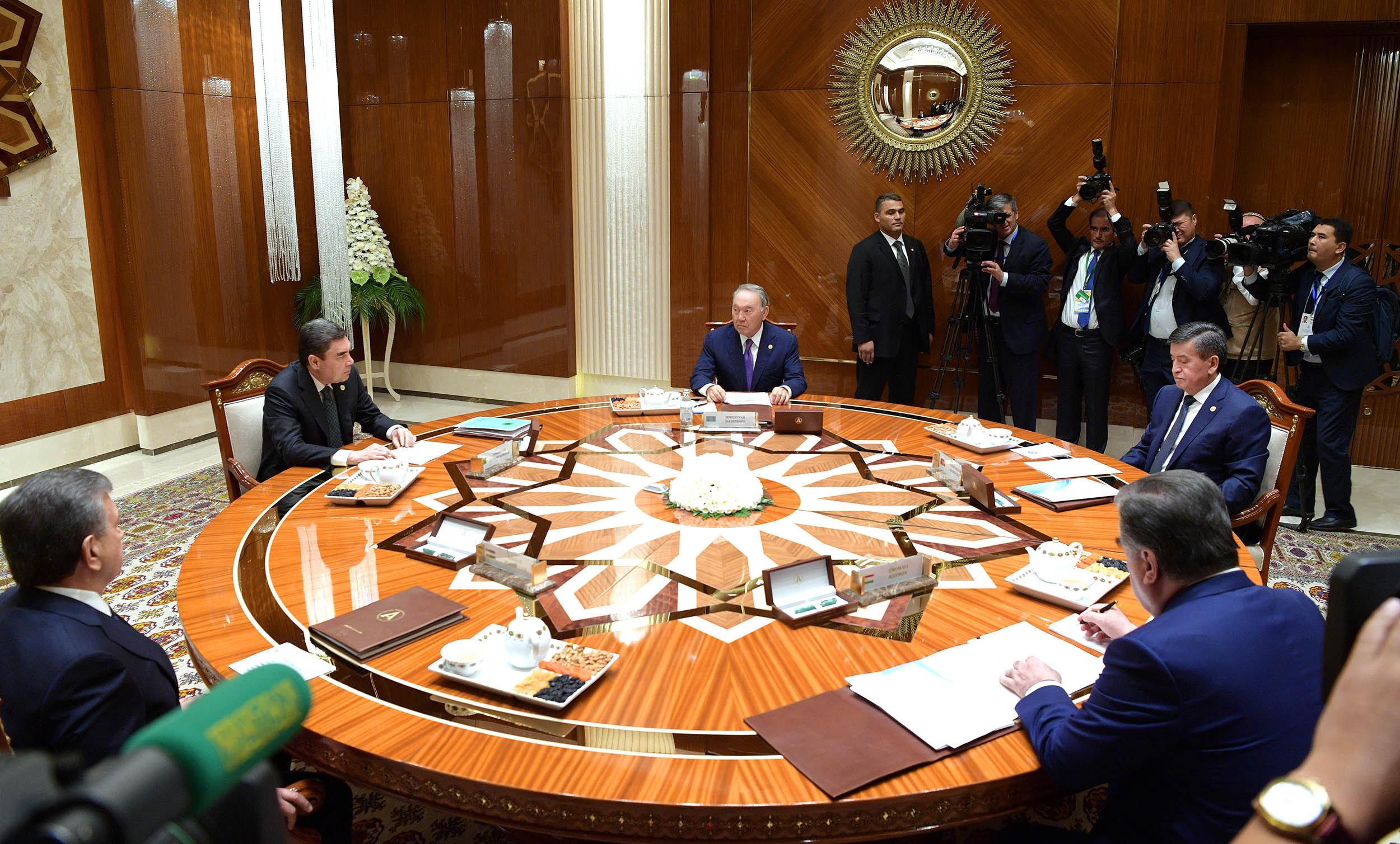 Заседание глав государств-учредителей Международного фонда спасения Арала