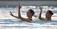 Казахстанки Александра и Екатерина Немич выступают в синхронном плавании на Азиаде