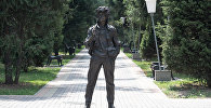 Памятник Виктору Цою в Алматы