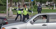 Жол полициясы қызметкерлері, архивтегі фото