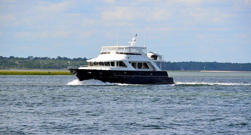 Роскошная яхта, иллюстративное фото